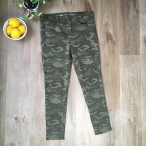 American Eagle Camo Print Super Stretch Jeans
